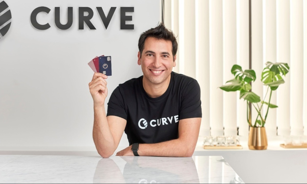 Curve launches automated money management features