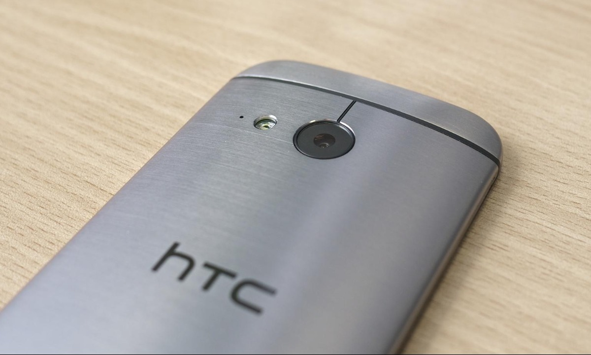 HTC launches blockchain phone