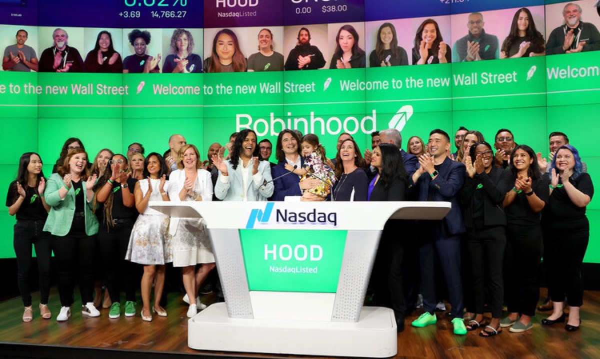 Robinhood's $32bn IPO stumbles, as shares fall up to 10% on debut